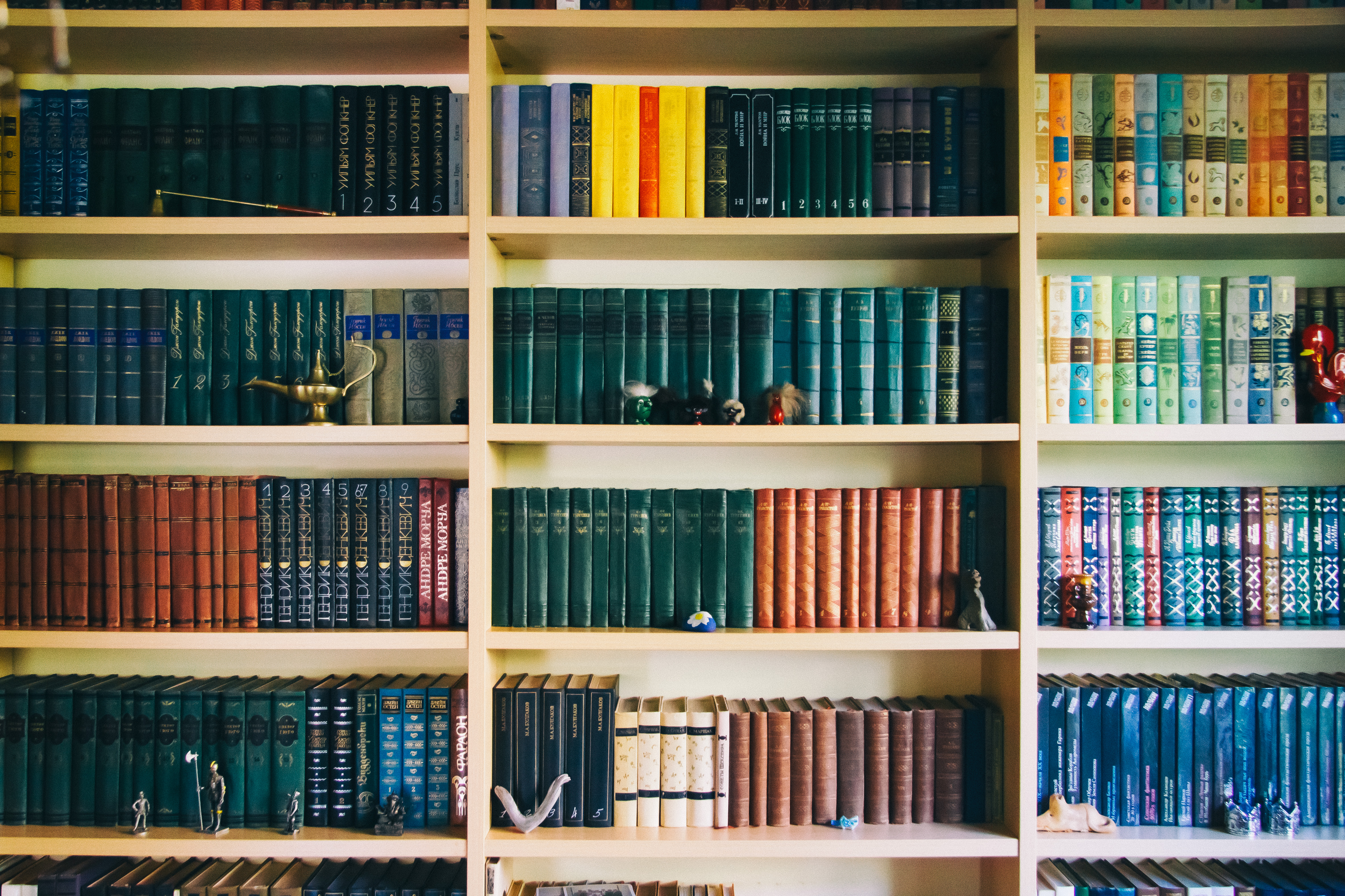 The Top Non-Business Books All Marketers and Entrepreneurs Should Read